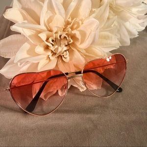 Accessories - Heart Shaped Sunglasses Ombré Rose Gold Sunnies